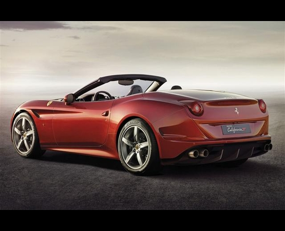 0000_Ferrari_California_luxury_driver (Small)