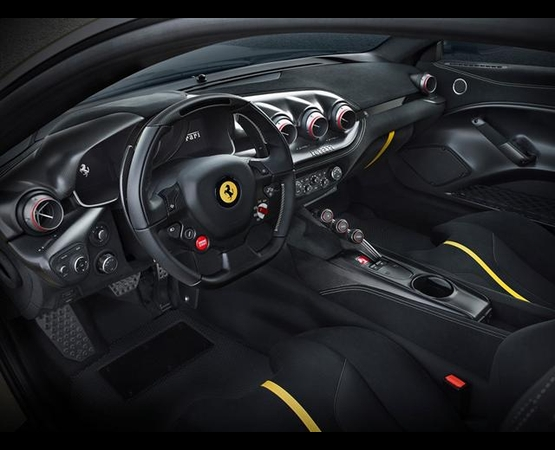 0000_ok_interno_ferrari_Luxurydriver (Small)