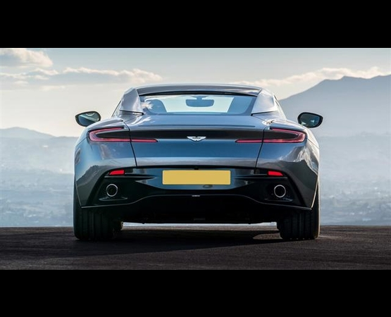04-aston-martin-db11_back_luxury_driver (Small)