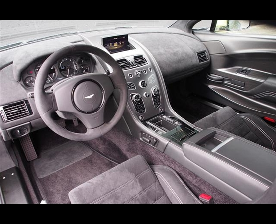 Aston-Martin-Vantage-GT8-interior (Small)