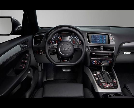 Audi Q5 S5_interni (Small)