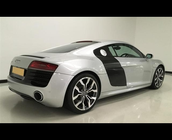 Audi R8 520_back (Small)
