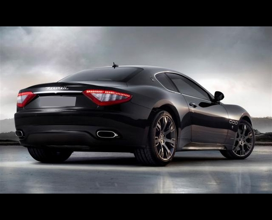 Maserati GranTurismo_back_Luxury_Driver (Small)